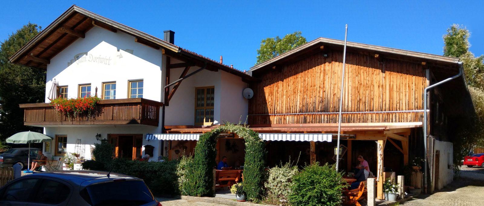 dorfwirt-arnbruck-biergarten-ausflugslokal-ferienhaus